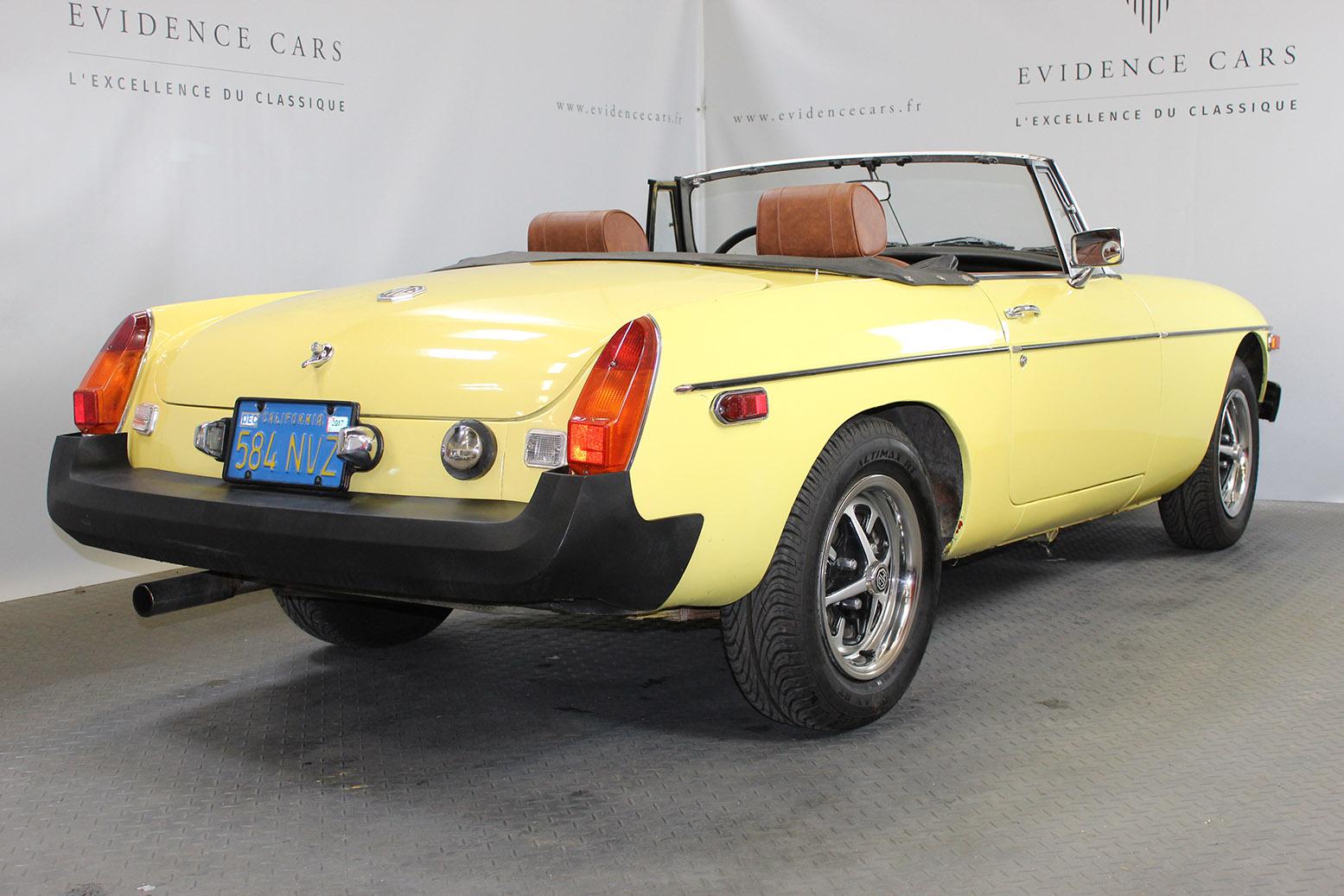mgb yellow de 1975 vendre voitures classiques et de collection. Black Bedroom Furniture Sets. Home Design Ideas