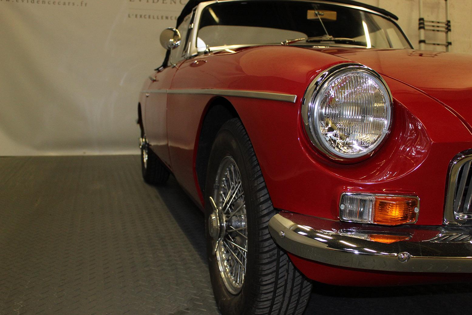 mgb red de 1967 vendre voitures classiques et de collection. Black Bedroom Furniture Sets. Home Design Ideas